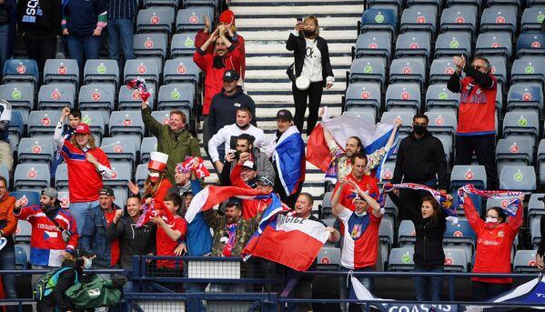 Čeští fanoušci na zápase mistrovství Evropy 2020 mezi národními týmy České republiky a Skotska - Sputnik Česká republika