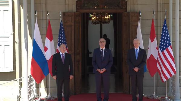 Prezidenti Ruska, USA a Švýcarska Vladimir Putin, Joe Biden a Guy Parmelin  - Sputnik Česká republika