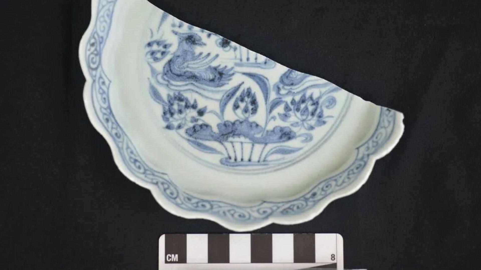 Jeden z předmětů, který byl nalezen ve vraku lodě v teritoriálních vodách Singapuru. - Sputnik Česká republika, 1920, 19.06.2021