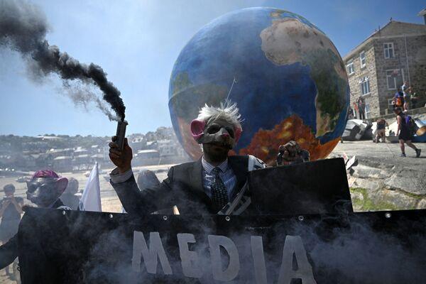 Protest environmentálních aktivistů během summit G7.  - Sputnik Česká republika