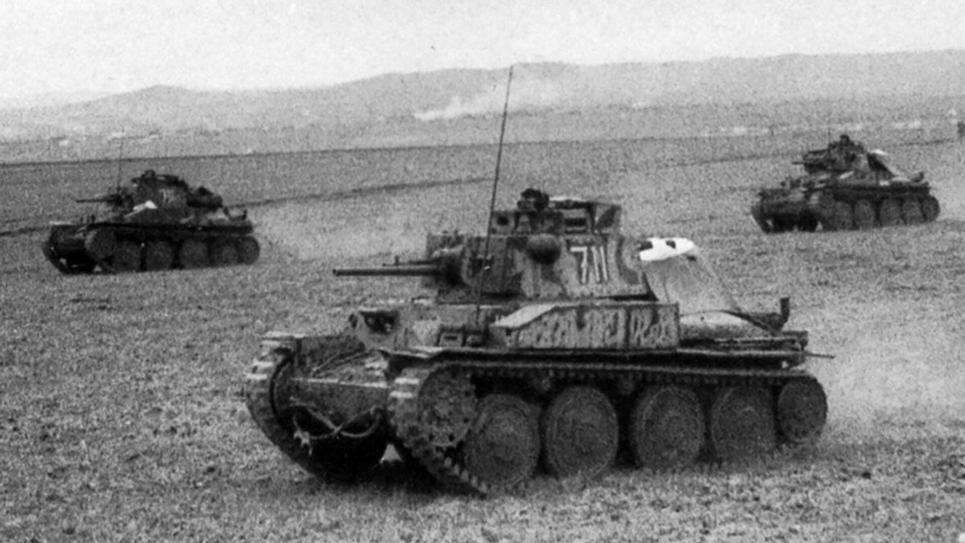 Tanky PzKpfw 38 (t) 22. tankové divize wehrmachtu na Krymu - Sputnik Česká republika, 1920, 21.06.2021