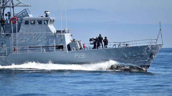 Военно-морские силы Украины и Великобритании во время тренировки типа PASSEX в Черном море  - Sputnik Česká republika