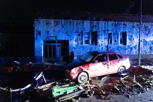 Zničená budova v obci Hrušky - Sputnik Česká republika