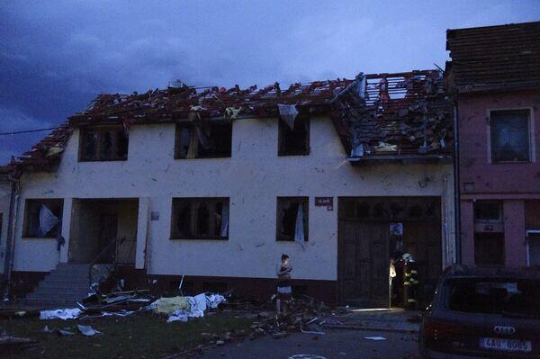 Zničená budova v městyse Moravská Nová Ves - Sputnik Česká republika