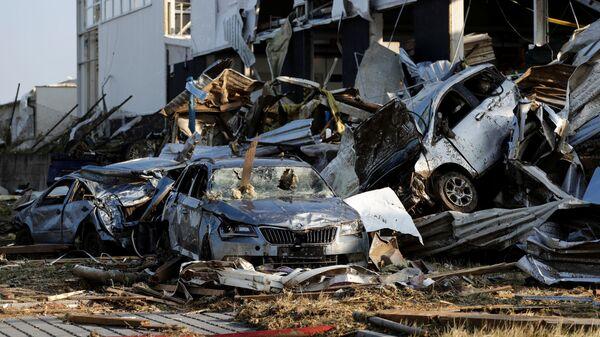 Последствия торнадо, обрушившегося на деревню Моравска-Нова-Вес в районе Годонин в Южной Моравии, Чешская Республика - Sputnik Česká republika