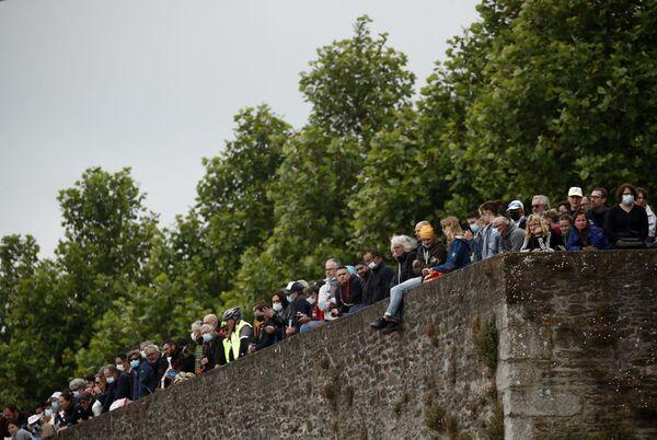 Fanoušci čekají na start Tour de France - Sputnik Česká republika