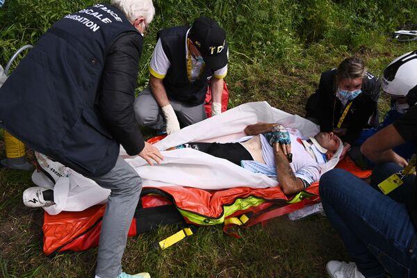 Závodník Cyril Lemoine z Francie se léčí - Sputnik Česká republika