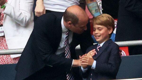 Принц Уильям и принц Джордж на матче Англия-Германия чемпионата ЕВРО-2020 - Sputnik Česká republika