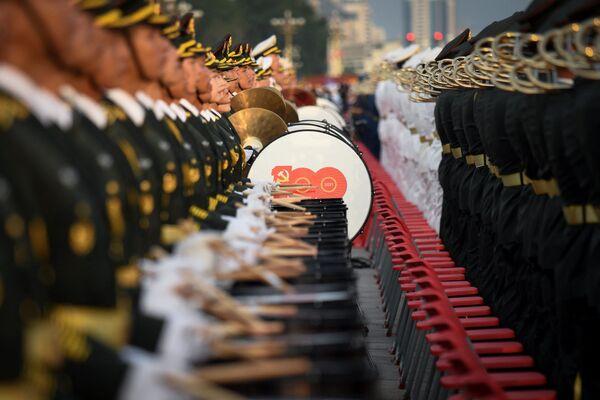 Vojenský orchestr na oslavách 100. výročí Komunistické strany Číny v Pekingu. - Sputnik Česká republika