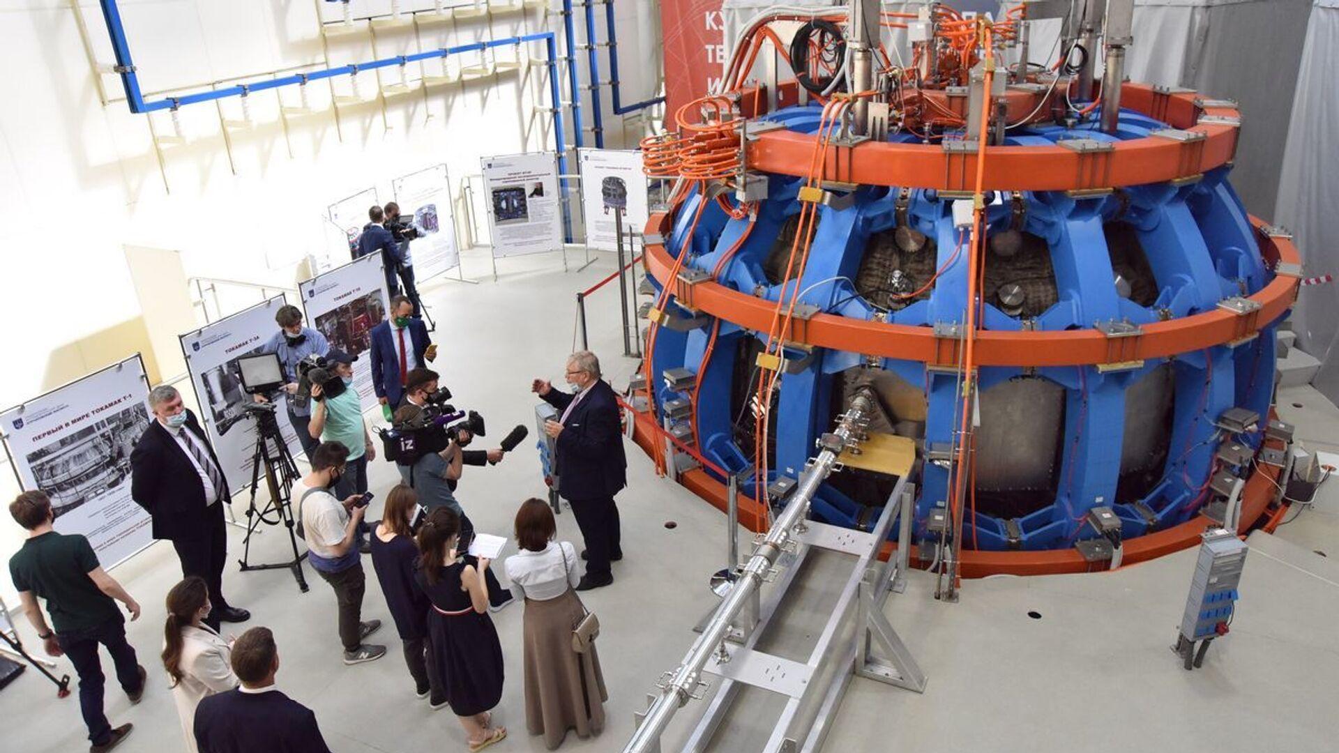 Spouštění do provozu reaktoru tokamak T-15 MD, Kurčatovův institut v Rusku  - Sputnik Česká republika, 1920, 01.07.2021