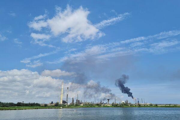 Požár na ropné rafinerii v Rumunsku. - Sputnik Česká republika