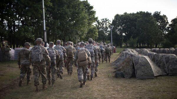 Военные НАТО во время военных учений DEFENDER-Europe 21 в Албании  - Sputnik Česká republika
