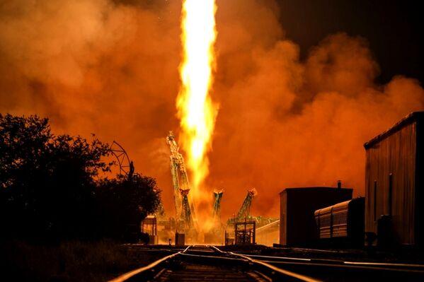 Start nosné rakety Sojuz-2.1a. - Sputnik Česká republika
