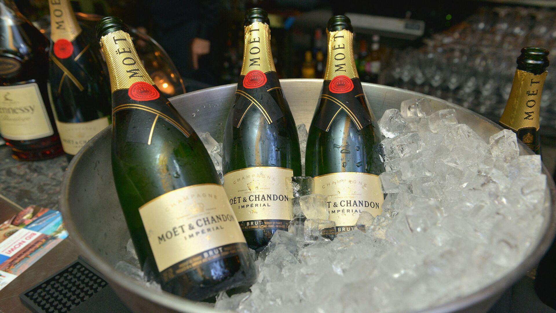Lahve šampaňského Moet Hennessy - Sputnik Česká republika, 1920, 04.07.2021
