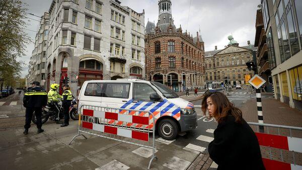 Полиция блокирует доступ на площадь Дам в Амстердаме - Sputnik Česká republika
