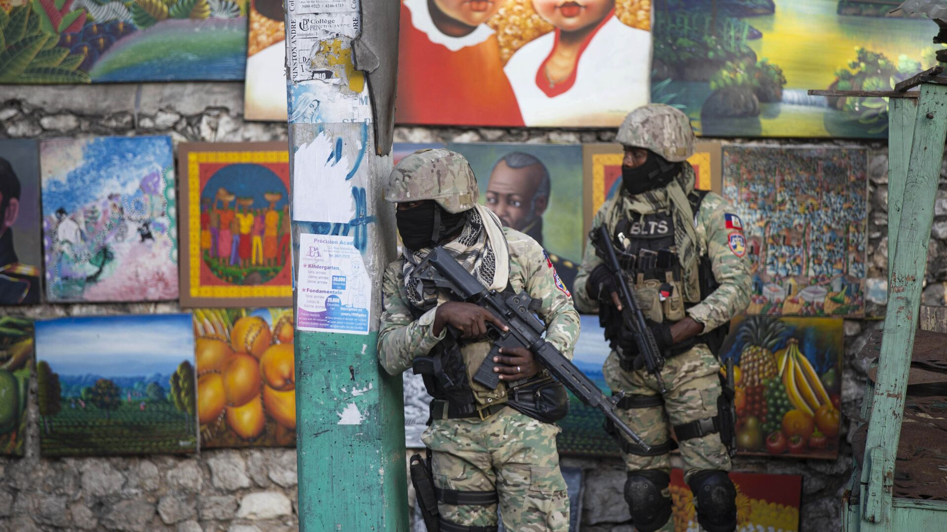 Vojáci hlídkují v ulici, kde žil zesnulý prezident Haiti Jovenel Moïse - Sputnik Česká republika, 1920, 10.07.2021