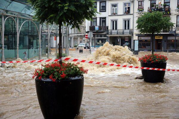 Snímek pořízený 14. července 2021v lázeňském belgickém městě Spa. Centrum města je zaplaveno po silném dešti. - Sputnik Česká republika
