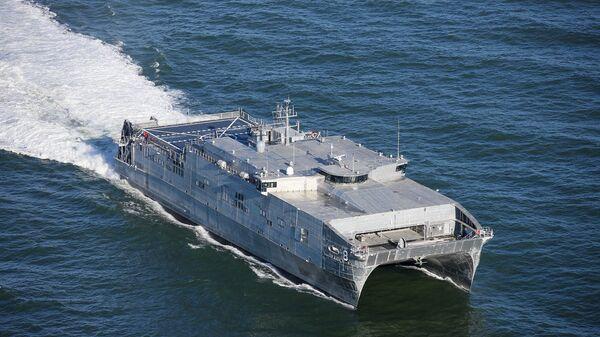 Быстроходный транспортно-десантный корабль USNS Yuma ВМС США  - Sputnik Česká republika