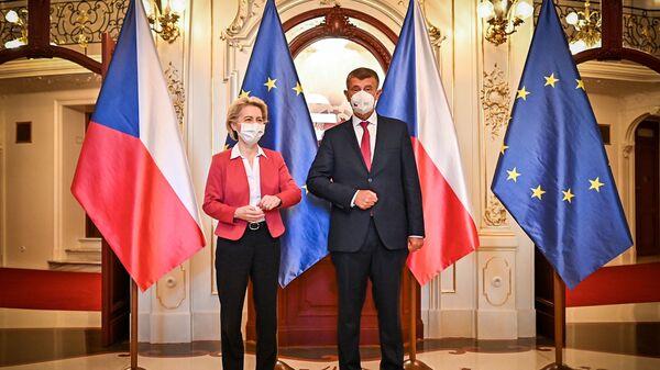 Встреча премьер-министра Чехии Андрея Бабиша и главы Еврокомиссии Урсулы фон дер Ляйен - Sputnik Česká republika