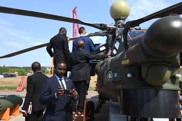 Bitevní vrtulník Mi-28NM Noční lovec na Mezinárodním salonu MAKS 2021. - Sputnik Česká republika