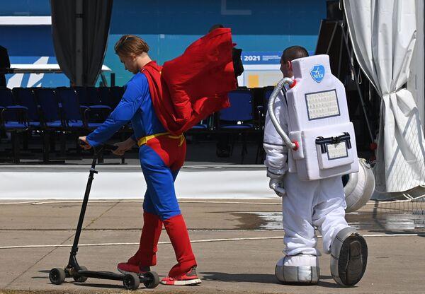 Účastníci Mezinárodní letecké a kosmické výstavy MAKS 2021. - Sputnik Česká republika