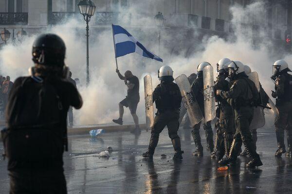 Protesty proti očkování v Aténách, Řecko. - Sputnik Česká republika