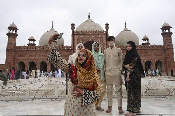Bádišáhova mešita ve městě Láhaur, Pákistán. - Sputnik Česká republika