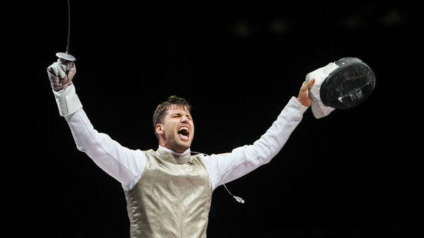 Чешский фехтовальщик Александр Чупенич выиграл бронзу в поединке по фехтованию на рапирах среди мужчин на XXXII летних Олимпийских играх в Токио - Sputnik Česká republika