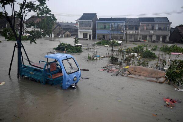 Zaplavená vesnice v provincii Če-ťiang. - Sputnik Česká republika