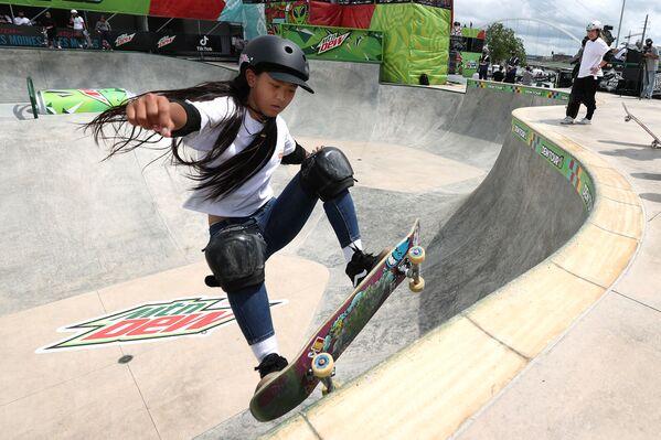 Japonská skateboardistka Kokona Hiraki (12). - Sputnik Česká republika
