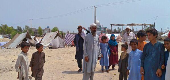 Stovky afghánských rodin byly nuceny opustit svůj domov kvůli vojenským akcím v provincii Laghmán. - Sputnik Česká republika