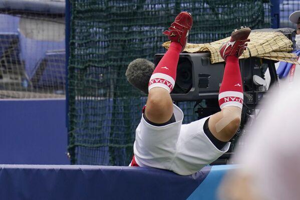 Japonec Yu Yamamoto padá přes zeď na olympijských hrách 2020 - Sputnik Česká republika