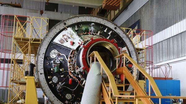 Подготовка к отправке модуля Наука на космодром Байконур - Sputnik Česká republika