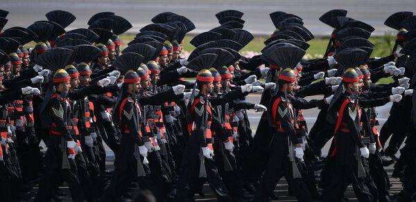 Pochod pákistánských rangers během vojenské přehlídky v Islámábádu - Sputnik Česká republika