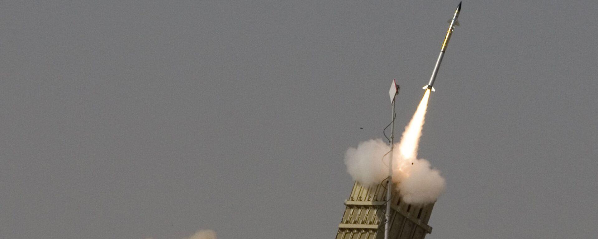 Запуск ракеты израильской системы ПРО Железный купол - Sputnik Česká republika, 1920, 06.08.2021