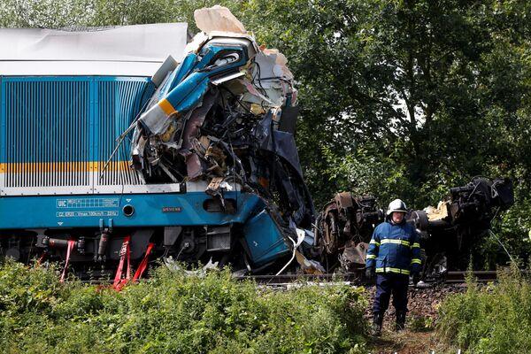 Jedná se o nejtragičtější vlakovou nehodu v Evropě za posledních dva a půl roku - Sputnik Česká republika