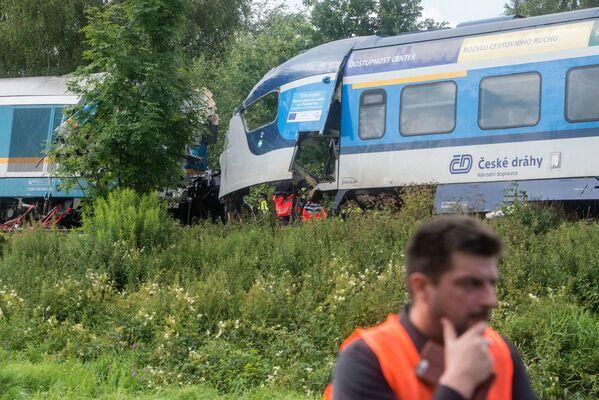 Havárie se stala na jednokolejném úseku, před kterým se vlaky měly minout - Sputnik Česká republika