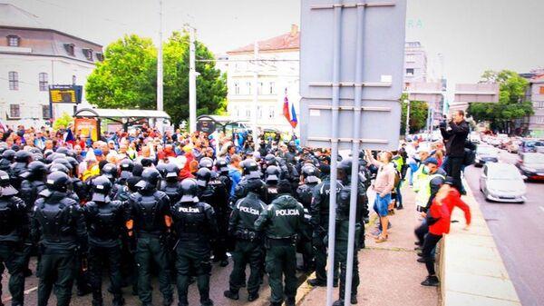 Протесты в Братиславе - Sputnik Česká republika