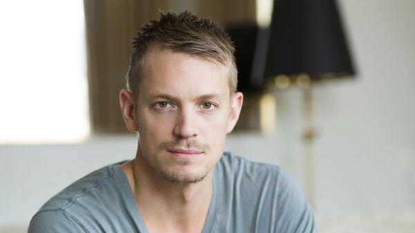 Шведский актер Юэль Киннаман  - Sputnik Česká republika