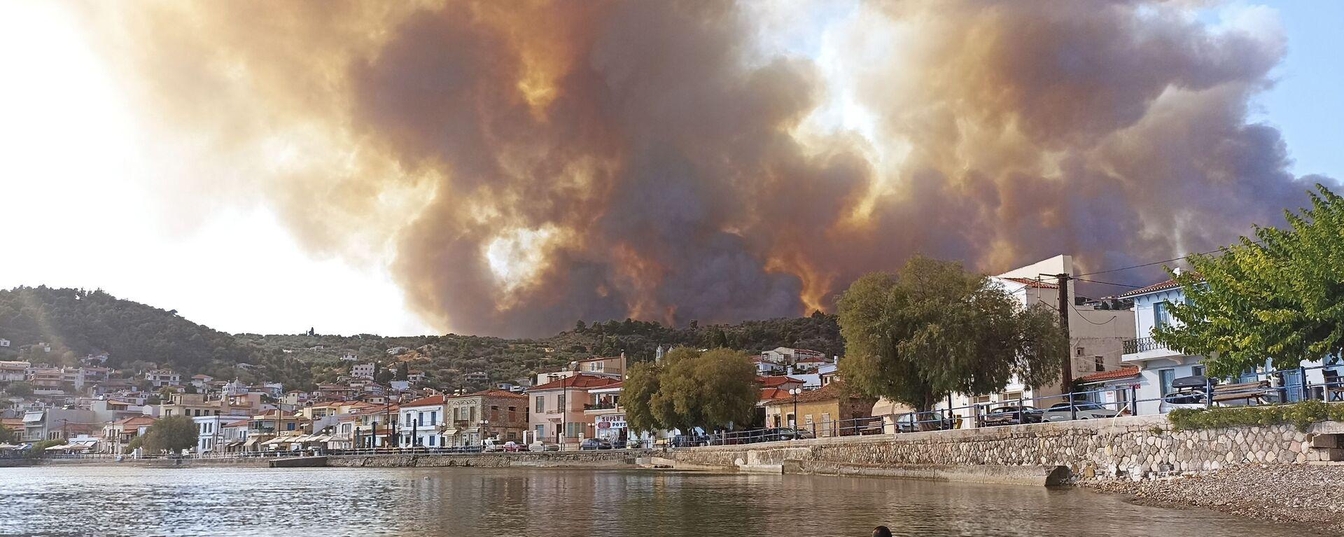 Пожар на острове Эвия, Греция  - Sputnik Česká republika, 1920, 09.08.2021