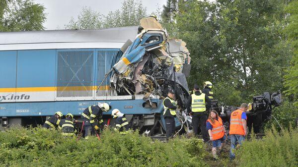 Столкновение Western Express с пассажирским поездом, Чехия - Sputnik Česká republika