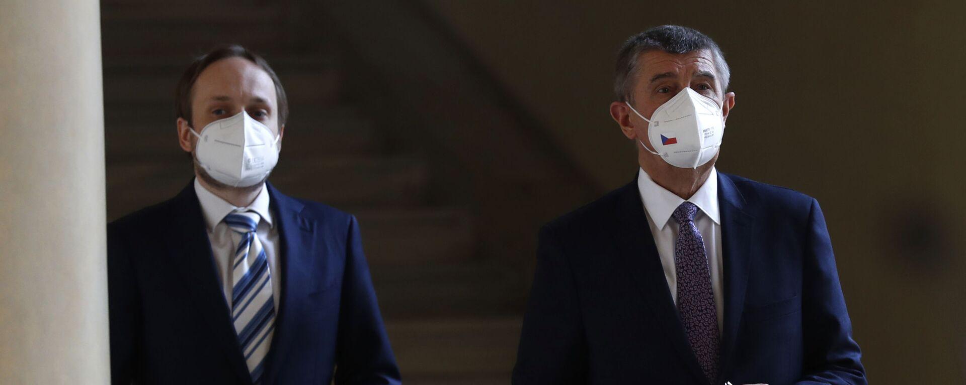 Český ministr zahraničí Jakub Kulhánek a český premiér Andrej Babiš před tiskovou konferencí - Sputnik Česká republika, 1920, 23.08.2021