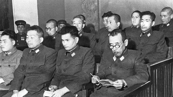 Подсудимые на процессе по делу бывших военнослужащих японской армии, обвиняемых в подготовке к применению бактериологического оружия. Хабаровск, 1949 год - Sputnik Česká republika