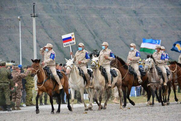 Jezdecký maraton v Kyzylu v rámci Mezinárodních armádních her 2021 - Sputnik Česká republika