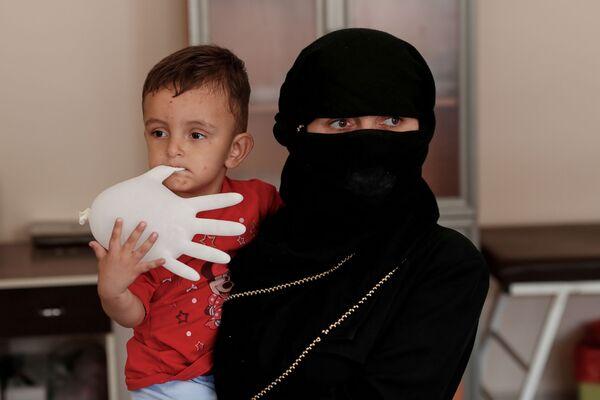 Uprchlíci z Afghánistánu v migračním centru v Turecku - Sputnik Česká republika