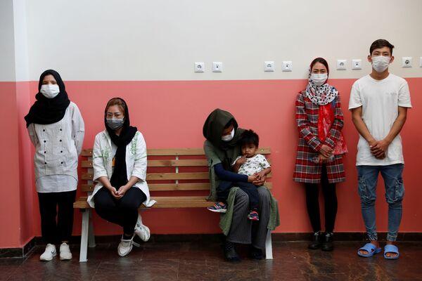 Afghánští migranti v registračním centru pro migranty v tureckém pohraničním městě Van - Sputnik Česká republika