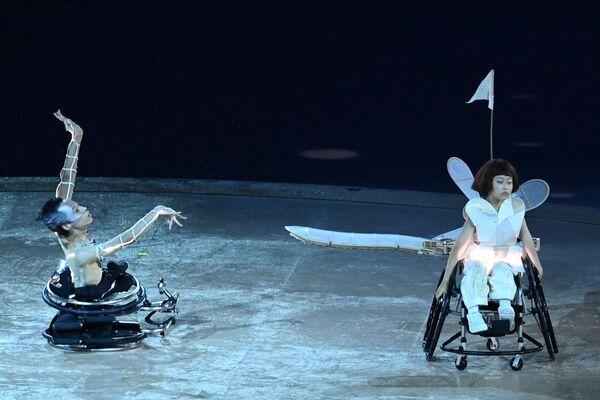 Účinkující vystupují na zahajovacím ceremoniálu XVI. letních paralympijských her - Sputnik Česká republika