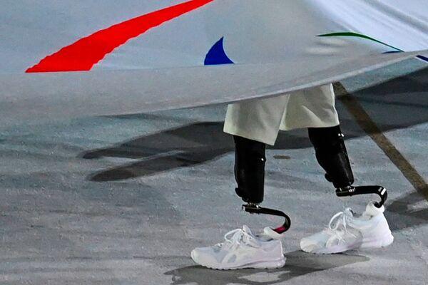 Nesení paralympijské vlajky během zahajovacího ceremoniálu XVI. letních paralympijských her - Sputnik Česká republika