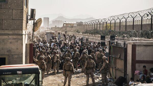 Американские военные в аэропорту Кабула  - Sputnik Česká republika