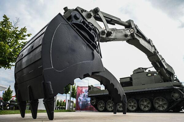 Univerzální obrněné vozidlo předvedené na fóru Army 2021 ve městě Kubinka v Moskevské oblasti. - Sputnik Česká republika